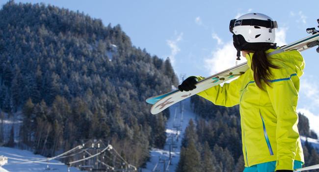 kayak-kiyafetlerinde-kask-secimi