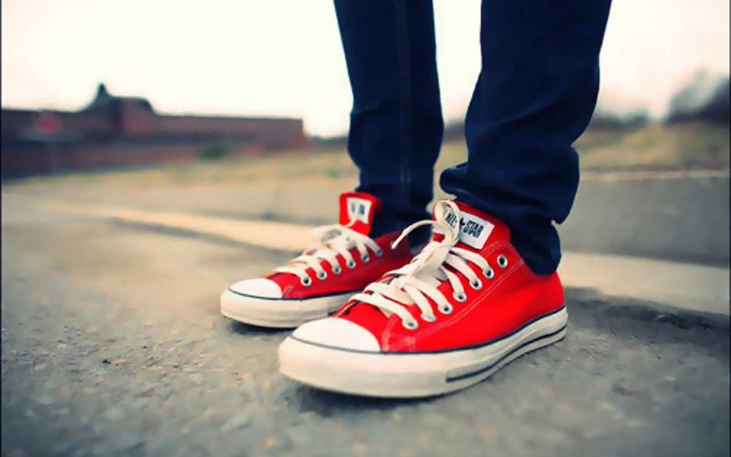 red-converse-bileksiz