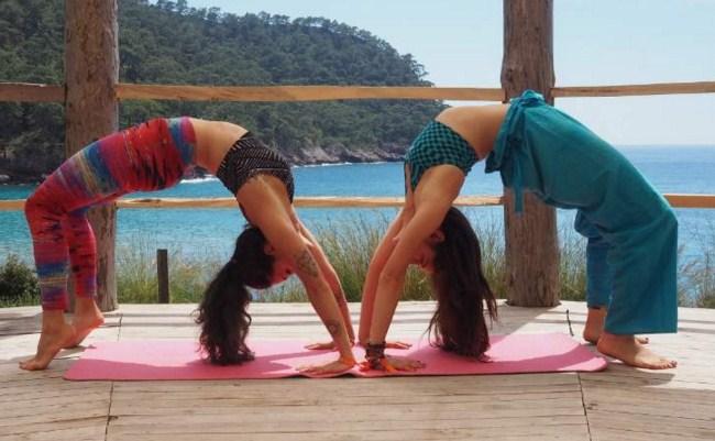 avessa-ile-mutlu-yoga