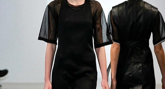 calvin-klein-siyah-elbise