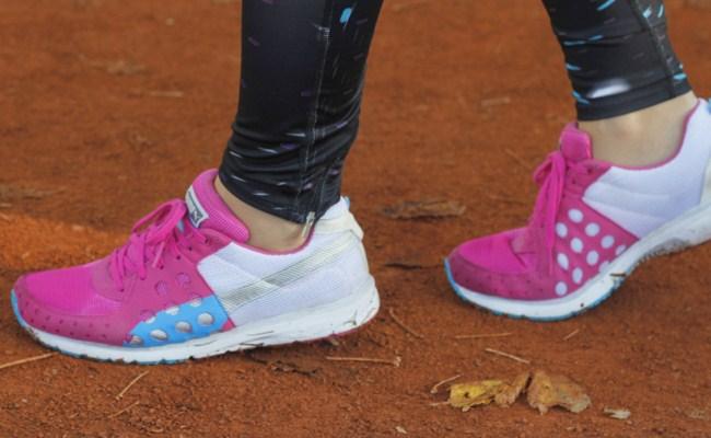 pembe-spor-ayakkabi-modelleri