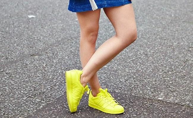 sari-renk-spor-ayakkabi
